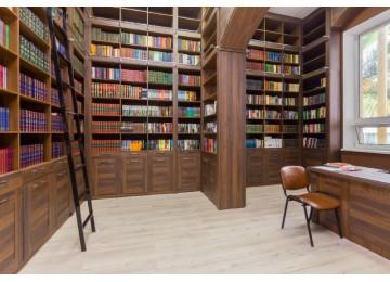 Библиотека в пансионате Литфонд