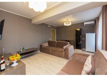 Люкс Комфорт 2-местный 2-комнатный (Главный корпус)  | Пансионат «Литфонд»|Пицунда
