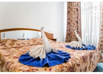 """Семейный 4-местный 3-комнатный (Малые""""№1,№2)  Пансионат «Литфонд» Пицунда"""