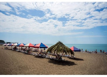 Собственный пляж в пансионате Литфонд